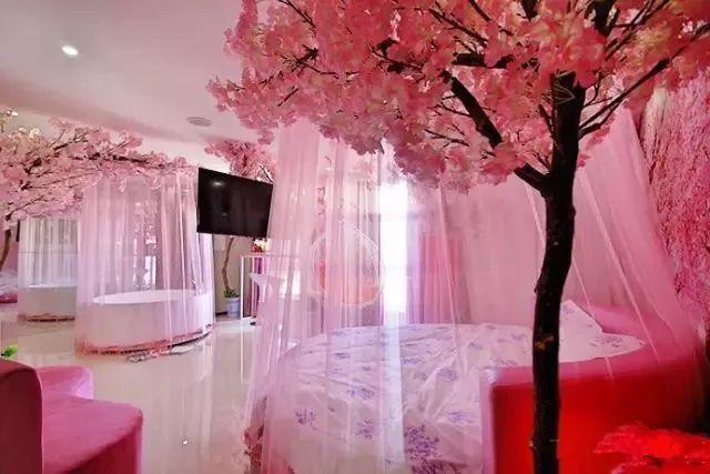 郑州钟爱情侣酒店设计