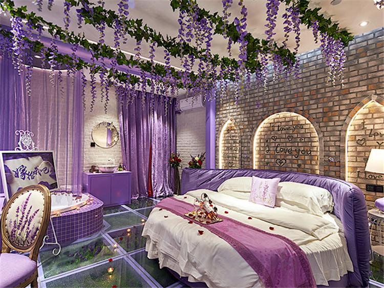 济南万爱情侣主题酒店设计突出浪漫  灯光设计更精彩